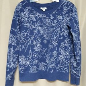 Old Navy sweatshirt with white floral desi…